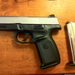 Smith_and_Wesson_Sigma_SW9VE